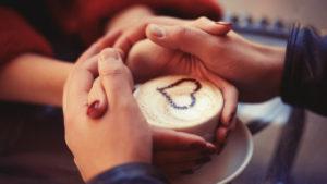 Что можно подарить на день влюбленных? 9 идей для самых романтичных!