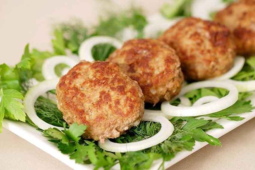 Вкуснейшие сочные котлеты с грибами и фаршем. Простой пошаговый рецепт