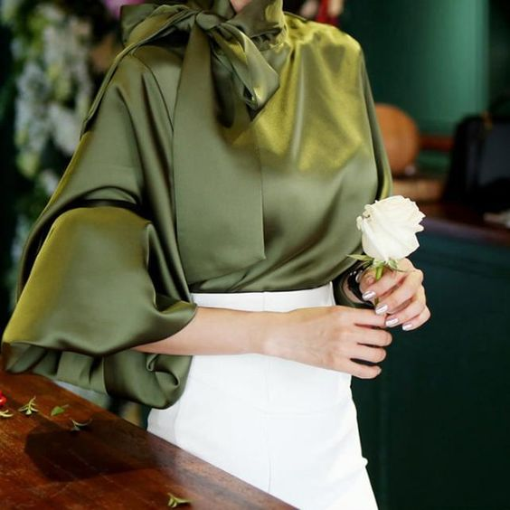 Как одеться на корпоратив женщине