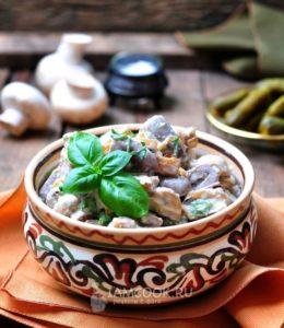 Вкусный салат с фасолью и курицей рецепт с жареными грибами