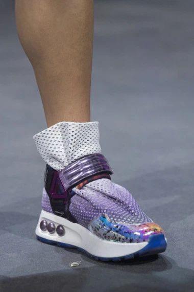 Какая обувь в моде этим сезоном