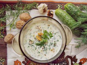 Таратор — болгарский национальный холодный суп за 5 минут. Готовим вместо окрошки )))