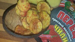 Хрустящие домашние чипсы из картошки в микроволновке рецепт «по-быстрому»