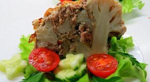 Цветная капуста по-новому: с фаршем и копченым сыром в духовке